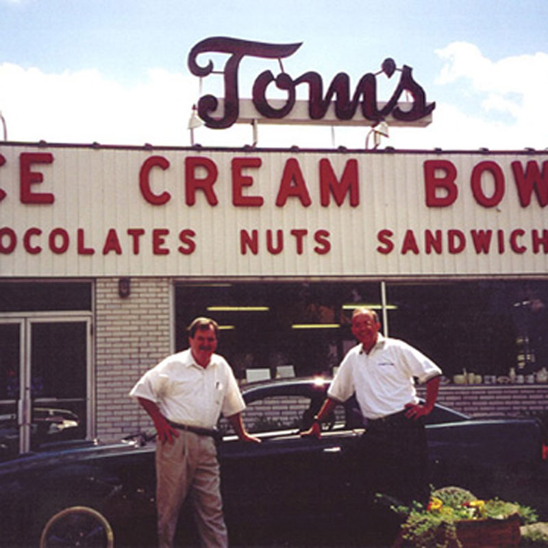 Toms Ice Cream Bowl - Nuts